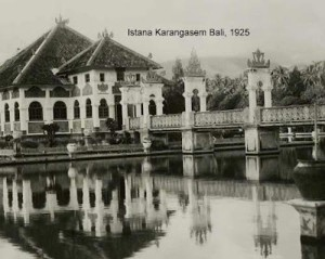 Foto Istana Karangasem Bali tahun 1925