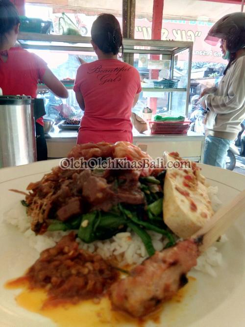 foto close up nasi gonde cik swi dari dalam