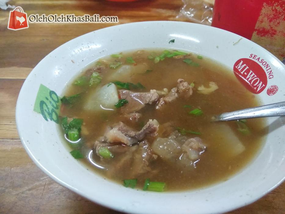 Soto daging sapi asli ala Warung Nyoman
