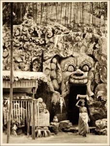 Foto Pura Goa Gajah Bali Tempo Doeloe