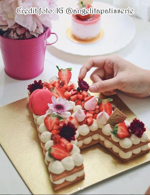 Letter cake, kue huruf A dengan desain cantik